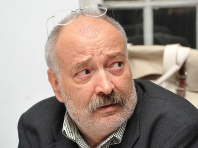 Stelian Tanase ar putea fi demis de la sefia TVR. Comisiile de cultura ale Parlamentului au respins raportul de activitate
