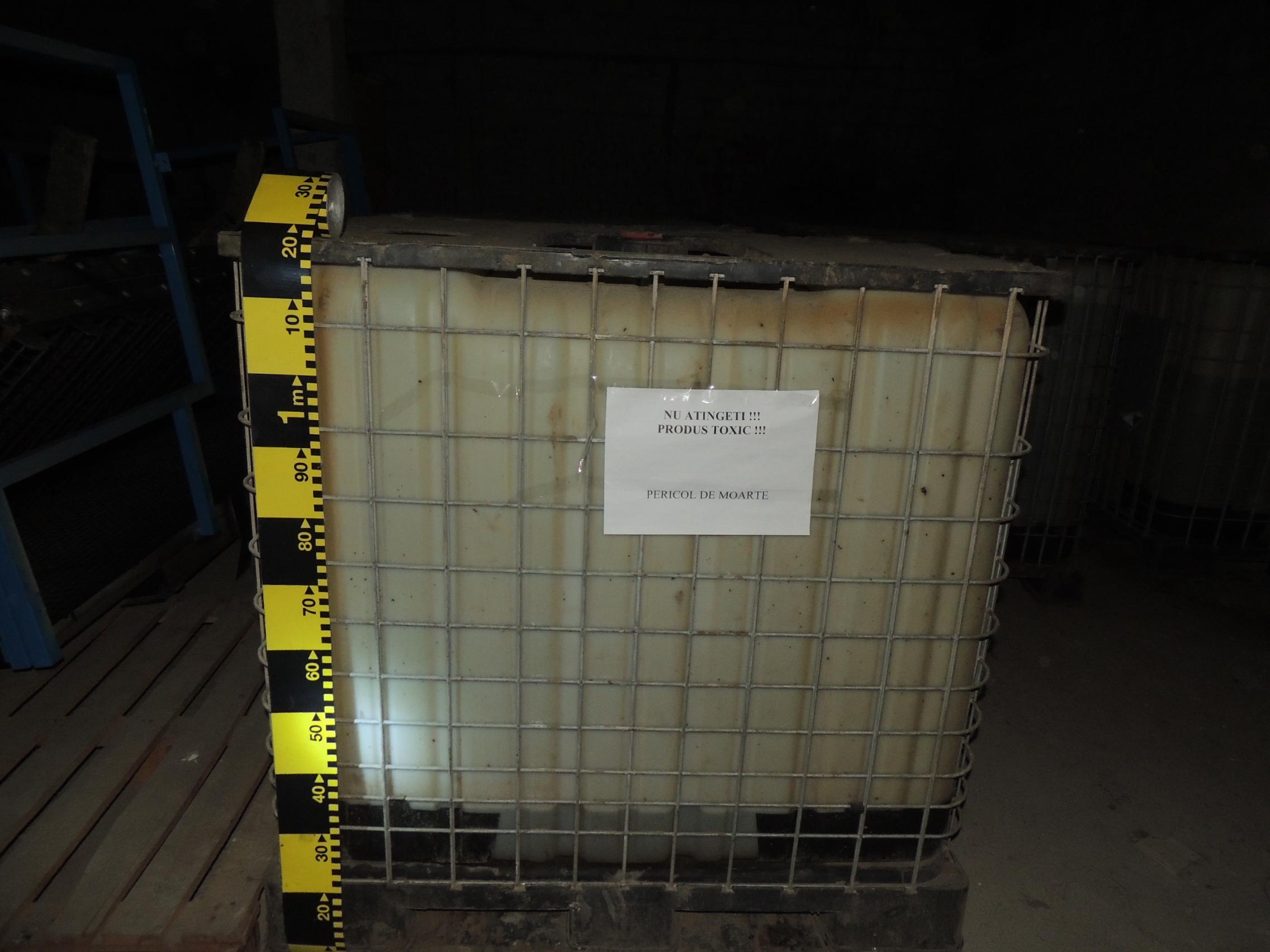 Peste 3 tone de acid clorhidric, o substanta extrem de toxica, descoperite de politisti in Timisoara