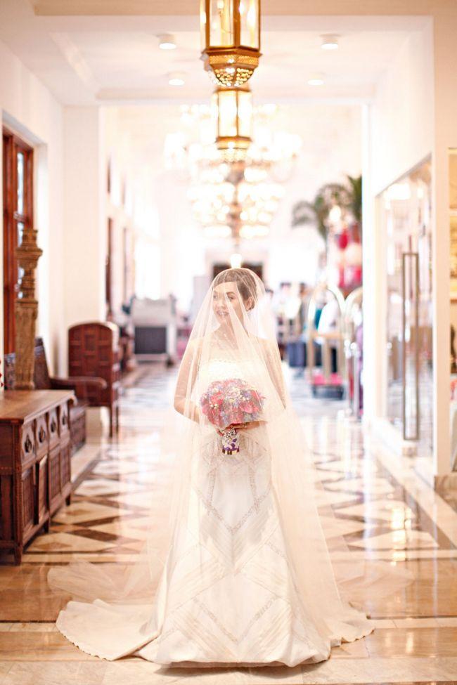 Toti invitatii au spus ca arata minunat in rochie de mireasa pana au vazut cu ce este incaltata.FOTO