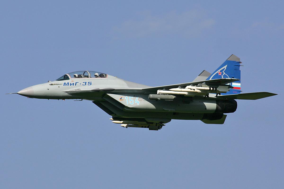 Momentul in care un F-16 a fost aproape de o coliziune cu un Mig rusesc, filmat de armata norvegiana. VIDEO
