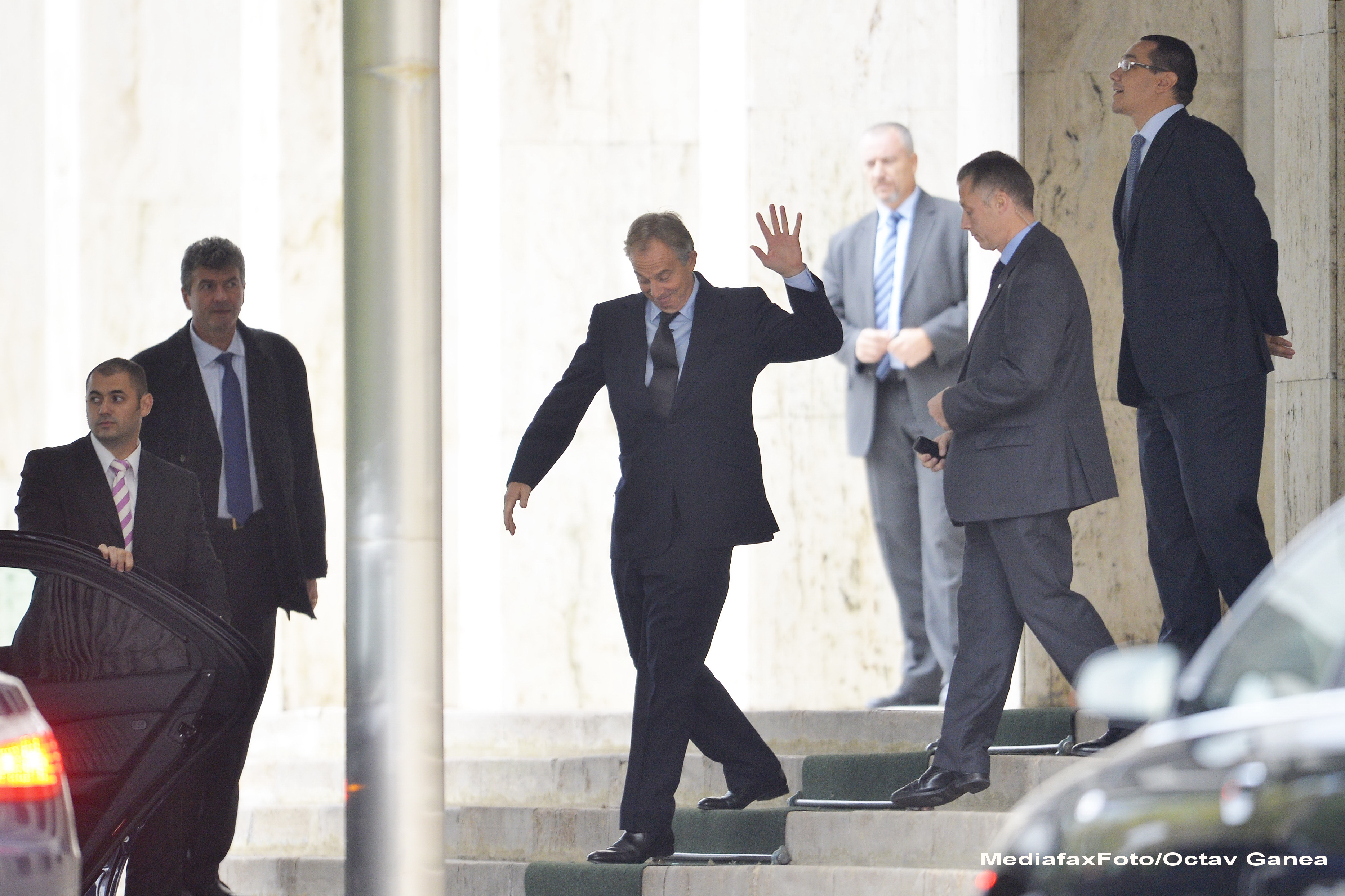 Surse: Fostul prim-ministru britanic Tony Blair a venit la Palatul Victoria, pentru o discutie cu Victor Ponta