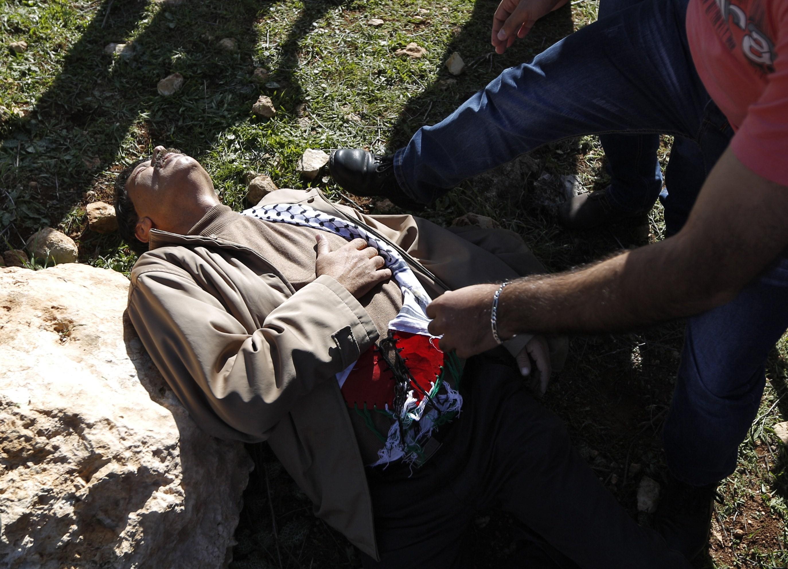 Nou butoi cu pulbere. UE si ONU cer anchete dupa ce un ministru palestinian a fost ucis de armata israeliana in Cisiordania