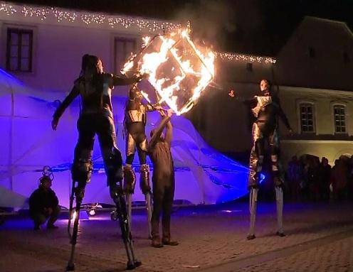 Spectacol pe strazile Sibiului. O trupa de actori din Bulgaria a adus la viata