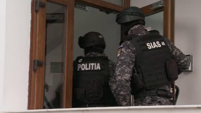 Managerul Institutului de Psihiatrie Socola din Iasi a fost ridicat de mascati si dus la audieri la DNA