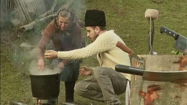 In cautarea traditiei. Incepand de joi, Chef FOA va prezenta, la ProTV, retete vechi de sute de ani