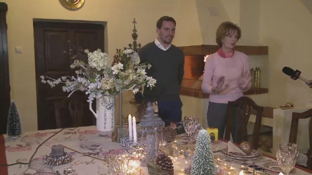 Zi de basm la Savarsin. Principesa Margareta si Principele Nicolae se pregatesc de Craciun: bradul a fost adus de la Sinaia
