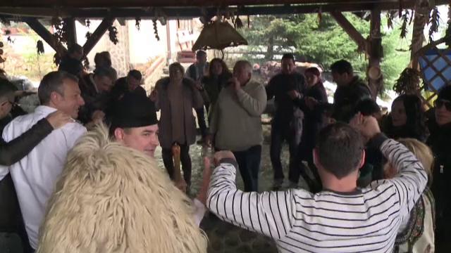 Petreceri in stil romanesc, de Ziua Nationala, in statiunile montane. Tentatiile cu care s-au