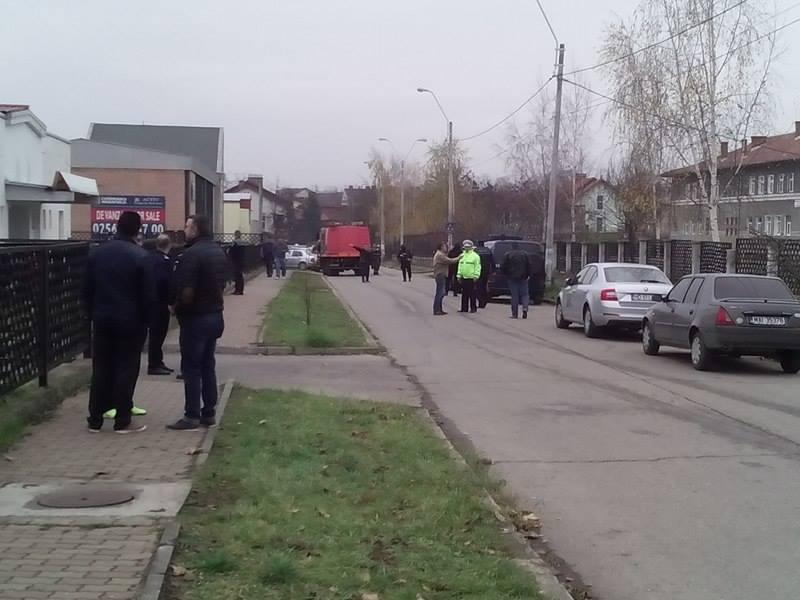 O scoala generala din Hunedoara a fost evacuata dupa o amenintare falsa cu bomba. Autorul este un elev de 13 ani