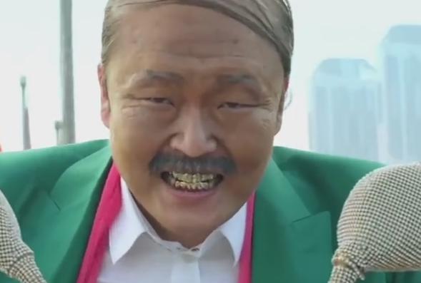 Psy, detinatorul recordului de vizualizari pe YouTube a lansat o noua melodie. Clipul a depasit 25 de mil. de vizualizari