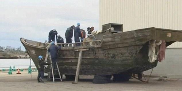 Zeci de vase-fantoma au esuat pe coasta Japoniei. Descoperirea macabra facuta la bord