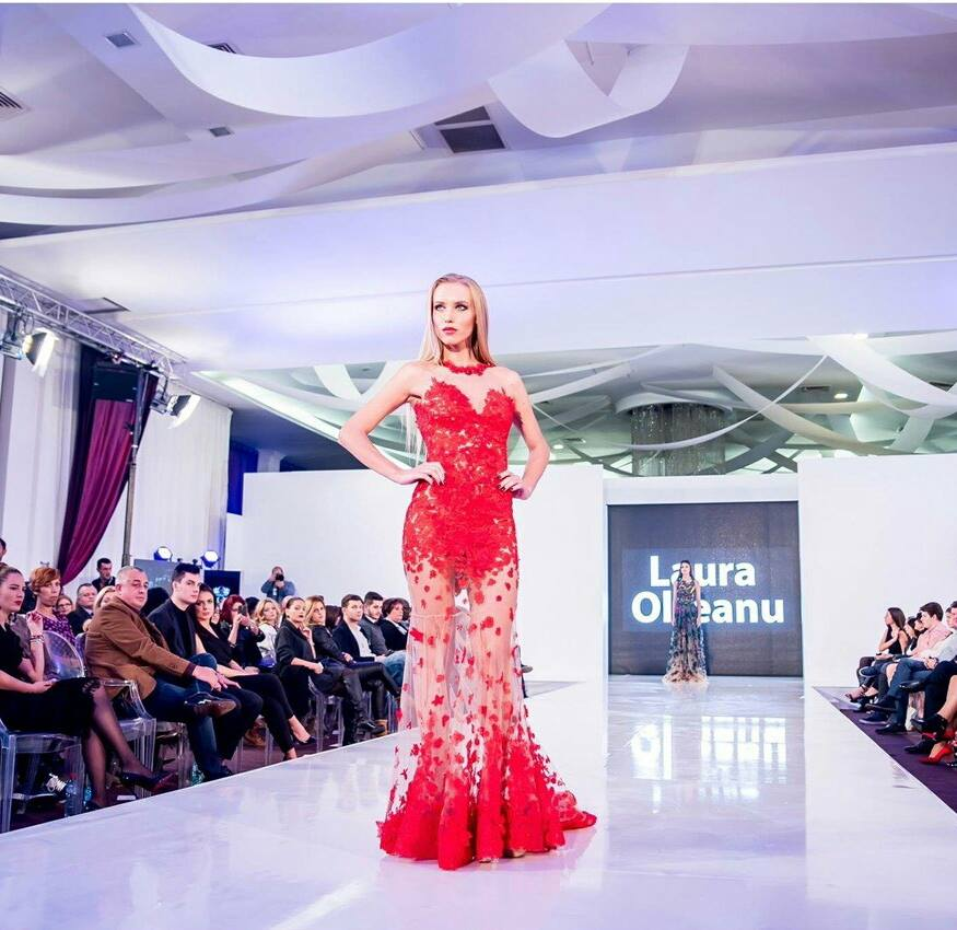 O moldoveanca din Chisinau a fost desemnata Miss Romania 2015. Cine este Kristina Ciasovschih: FOTO