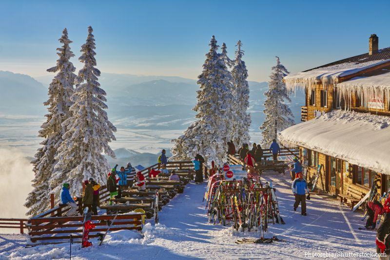 Piscine in aer liber si animatoare in barurile apres-ski. Pretul unei vacante de iarna in cea mai scumpa statiune din tara