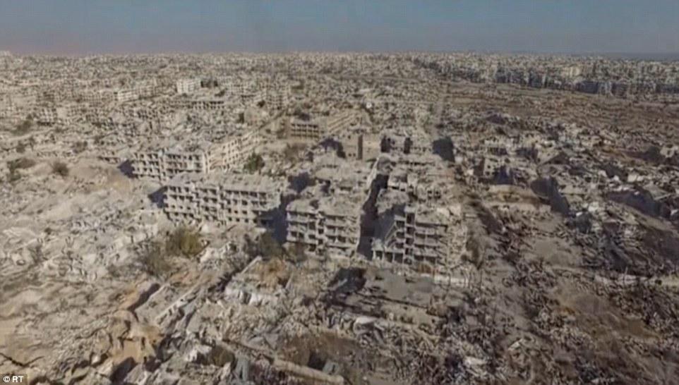 Imagini apocaliptice surprinse cu o drona langa Damasc. Dupa patru ani de razboi zona este o RUINA imensa. VIDEO