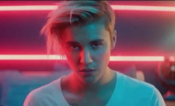 Gafa pe care a facut-o Justin Bieber: ce a postat cantaretul pe internet, dupa moartea lui Prince. Fanii s-au infuriat