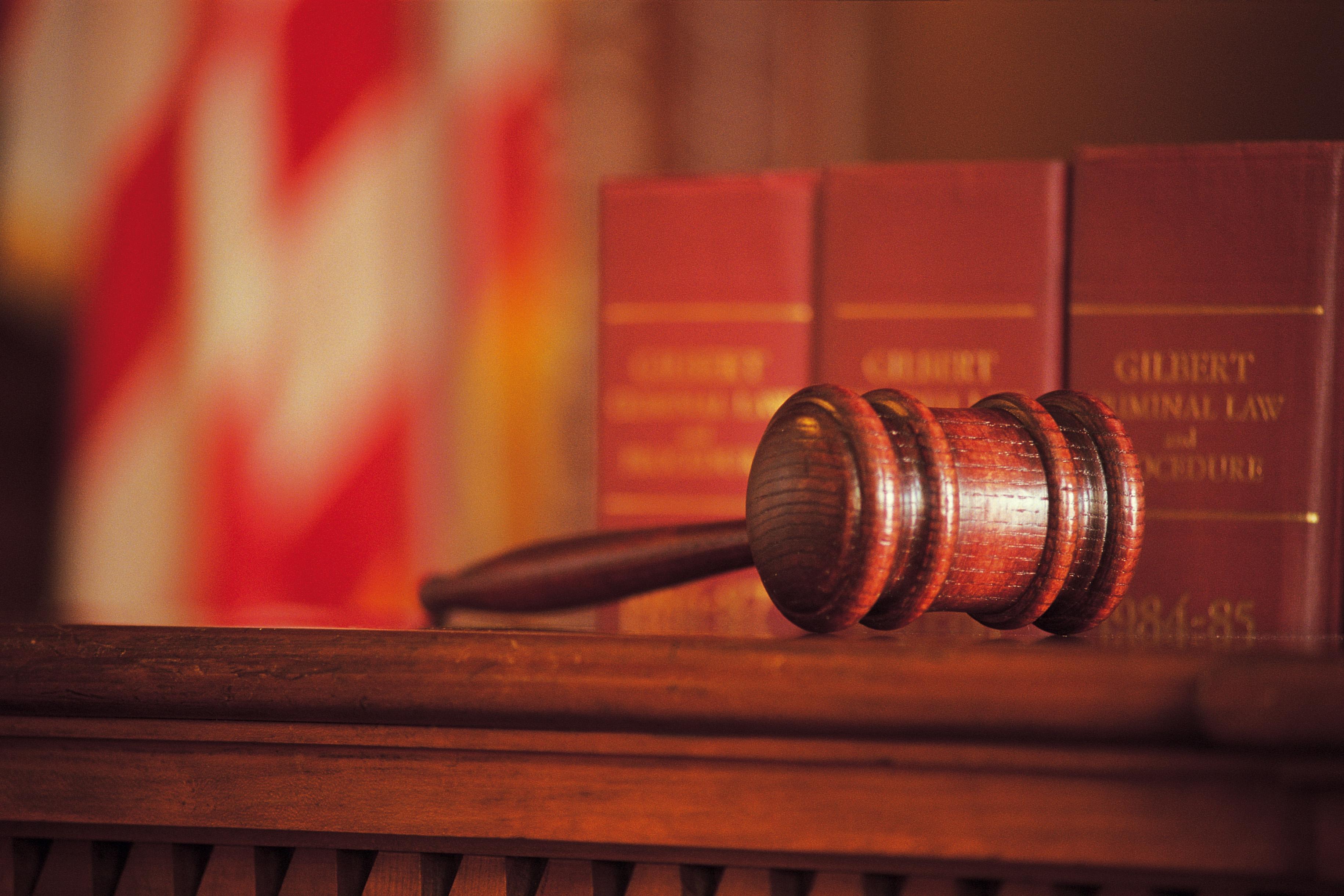 Pedeapsa pentru abuz in serviciu anulata la Alba Iulia pe motiv ca prevederi ale acestei infractiuni au fost dezincriminate