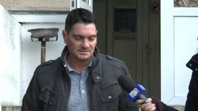 Un barbat de 44 de ani a inselat zeci de batrani, in spitale, timp de doi ani. Cum convingea victimele sa ii dea bani