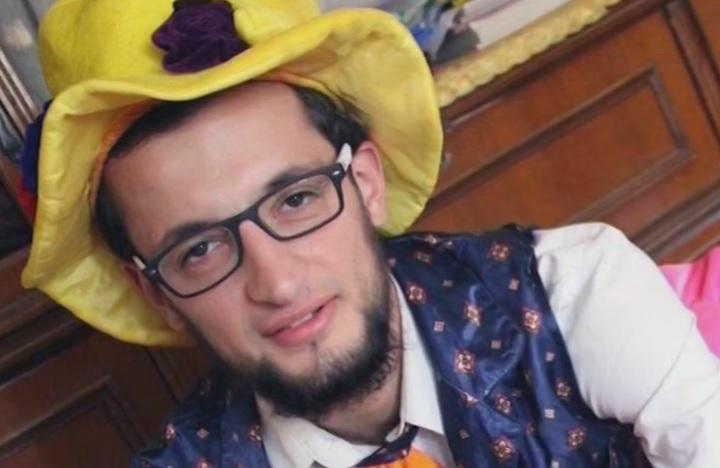 Clovnul din Aleppo, care ii facea pe copii sa rada, a fost ucis intr-un atac aerian. Orasul sirian fusese inchis de Guvern
