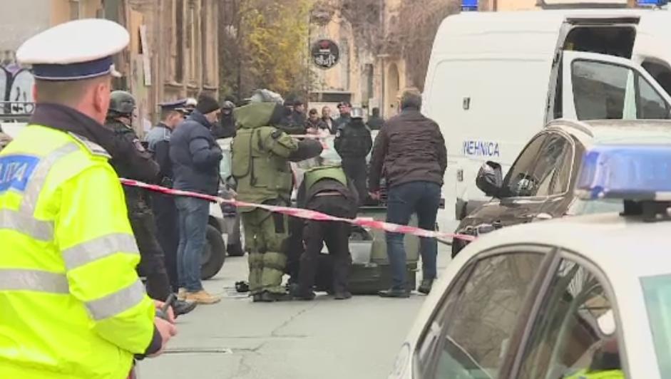 Pirotehnisti si trupe de interventie la resedinta ambasadorului Serbiei la Bucuresti. Coletul suspect din fata cladirii