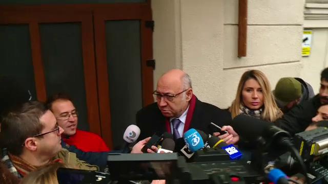 Medicul Irinel Popescu, fost presedinte al CNAS, audiat la DNA. Este acuzat de abuz in serviciu, alaturi de alti angajati