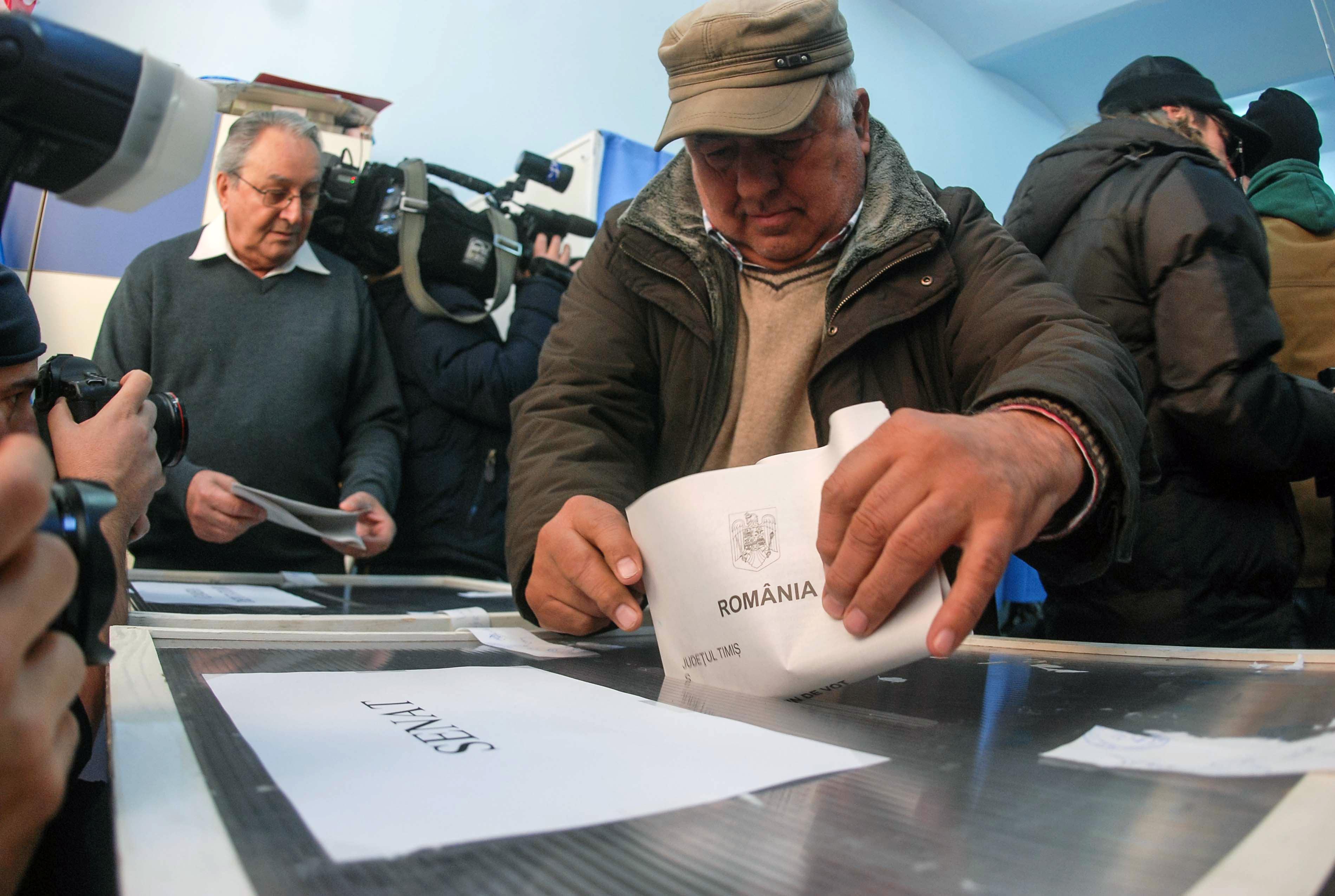 ALEGERI PARLAMENTARE 2016. Prezenta la vot pe regiuni istorice: Oltenii au fost cei mai activi, moldovenii, cei mai absenti