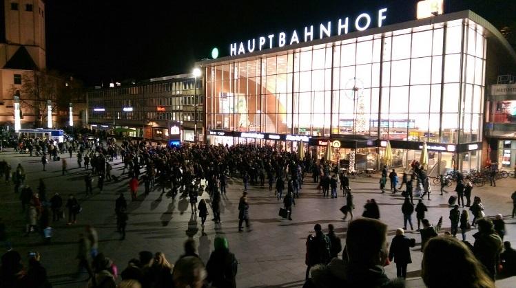 Autoritatile germane au evacuat gara din Koln, in urma unei amenintari cu bomba