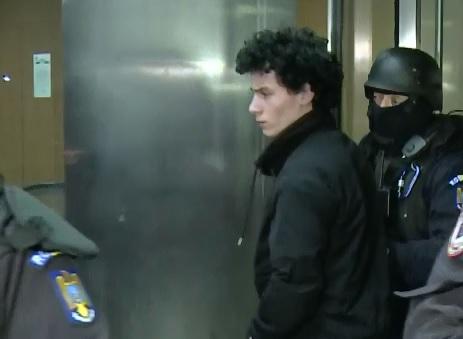 Tanarul arestat pentru propaganda terorista, acuzat de colegul de celula ca a incercat sa-l converteasca la islamism