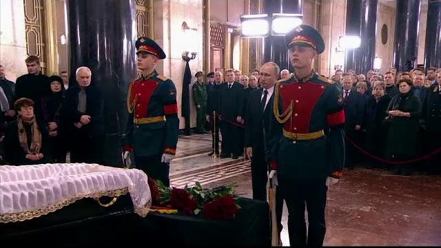 Ambasadorul rus asasinat la Ankara, inmormantat la Moscova. Ultim omagiu adus de Vladimir Putin si Dmitri Medvedev