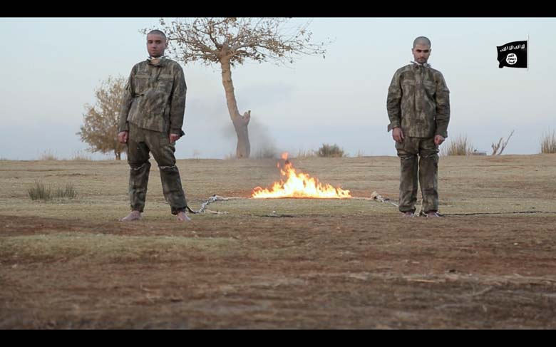 Statul Islamic a ars de vii doi soldati turci capturati in Siria. Prima reactie a lui Erdogan: a inchis retelele sociale