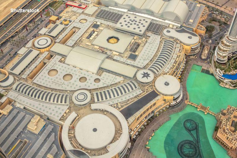 Cum arata in interior cele mai mari mall-uri din lume. In Dubai faci shopping cu taxiul, in Emirates te dai pe partie