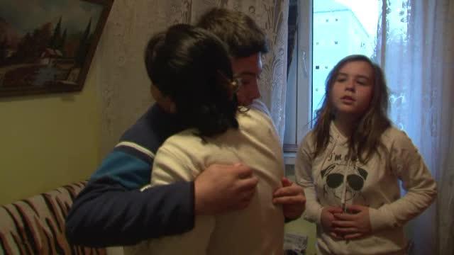 Povestea copiilor abandonati, pentru ca parintii erau saraci: