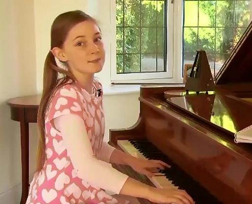 La 11 ani, Alma Deutscher este considerata un geniu al muzicii. Cum a ajuns adolescenta sa fie comparata cu Mozart