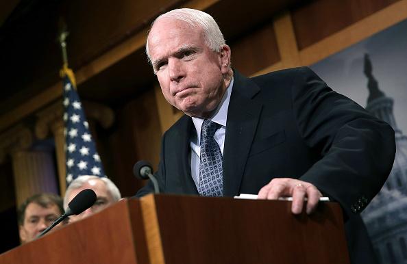 John McCain, care suferă de o formă agresivă de cancer cerebral, a încetat tratamentul