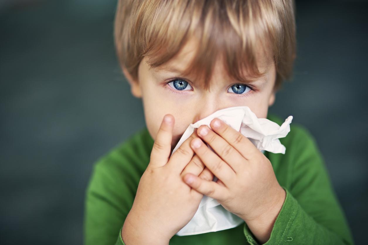 Medicii avertizează: Nu le dați copiilor sirop de tuse!