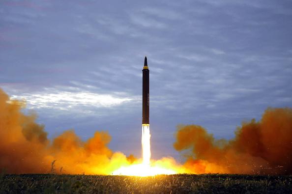 Rachetă de croazieră trasă în direcția unei centrale nucleare din Abu Dhabi