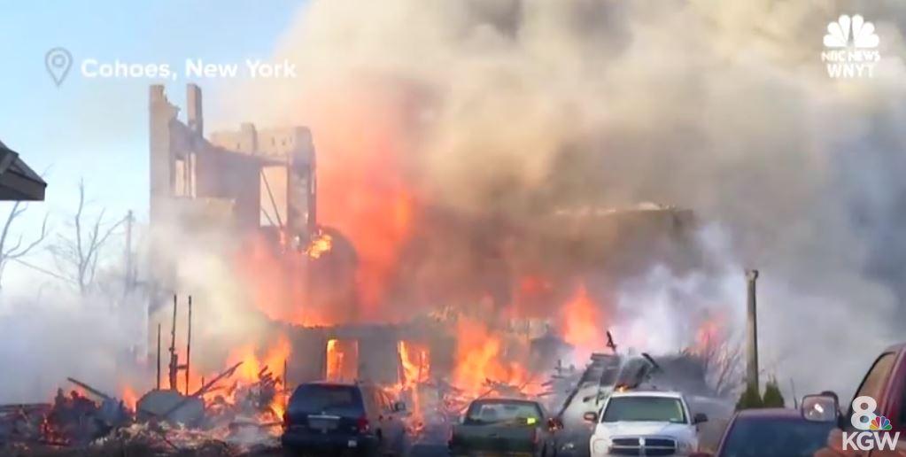 Inspirat de un show TV, un bărbat a dat foc la 31 de case, distrugând un cartier întreg
