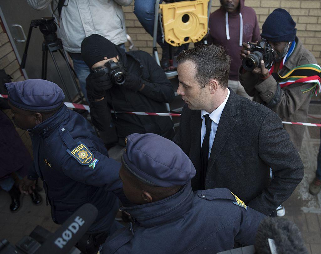 Oscar Pistorius, bătut la închisoare pentru că vorbea prea mult la telefon