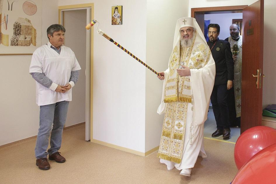 Centru social, sfinţit de Patriarh cu