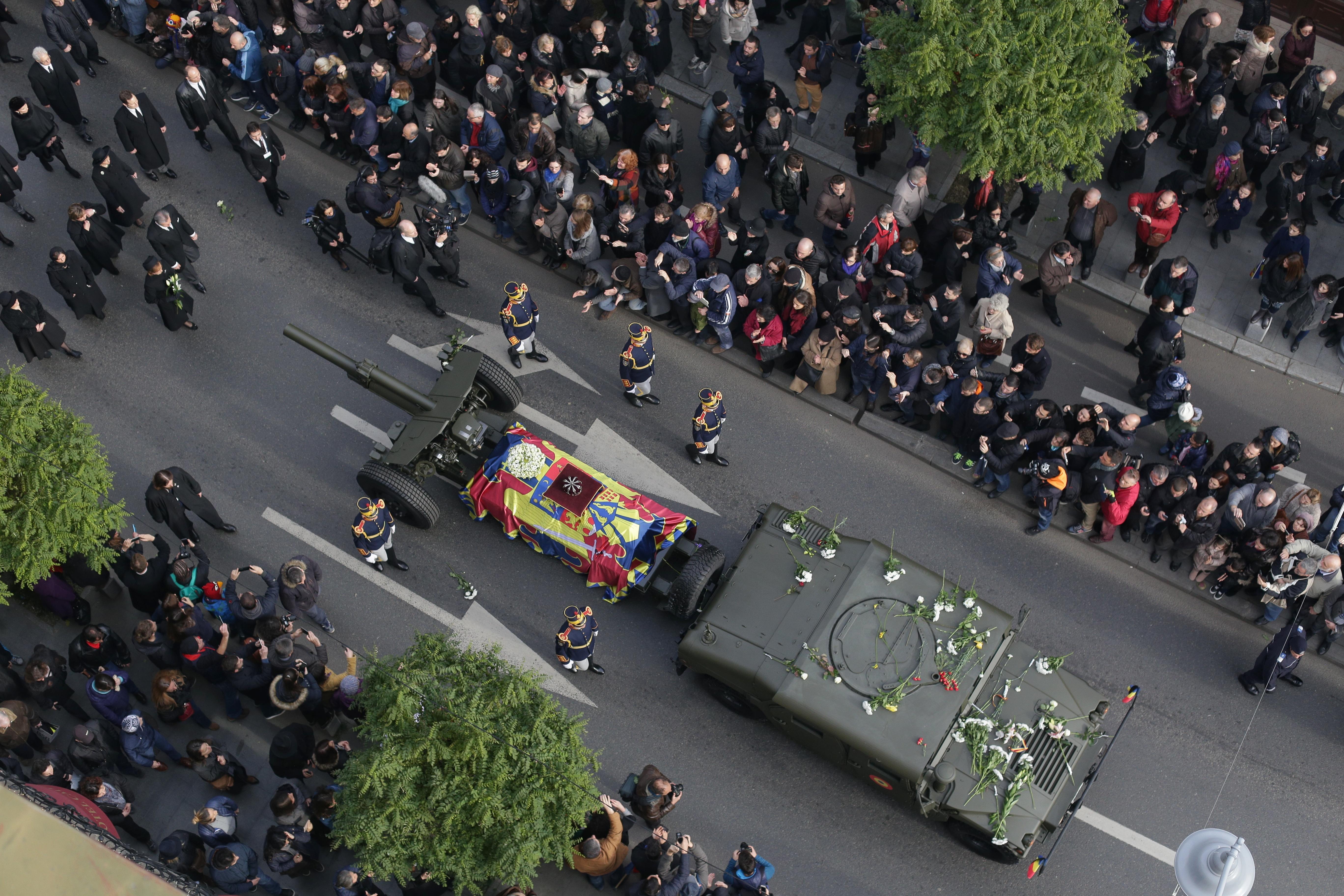 """Filmul funeraliilor Majestății Sale Regele Mihai. """"Parcă a murit ceva în mine"""""""