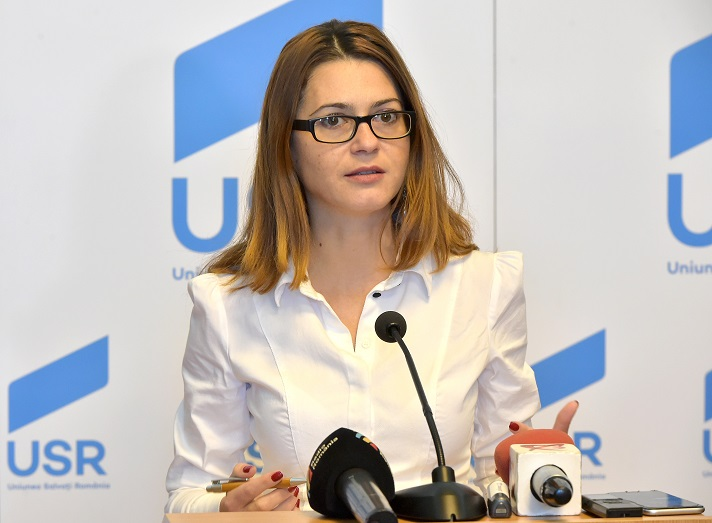 Senatoarea USR Presadă cere demisia conducerii USR, în frunte cu Barna și Voiculescu
