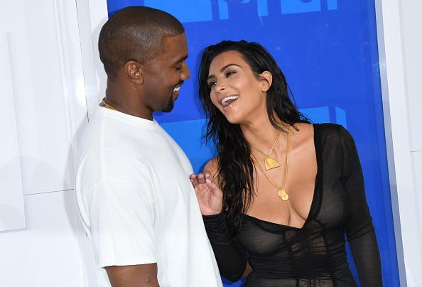Kim Kardashian a primit de la Kanye West cadouri de Crăciun de peste 200.000 de dolari