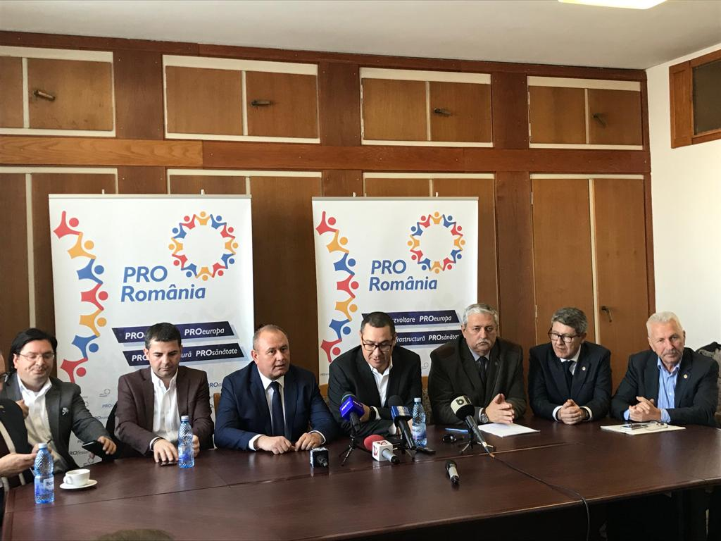 Ponta anunță declinul lui Dragnea, care pierde majoritatea în Camera Deputaților: 4 demisii din PSD