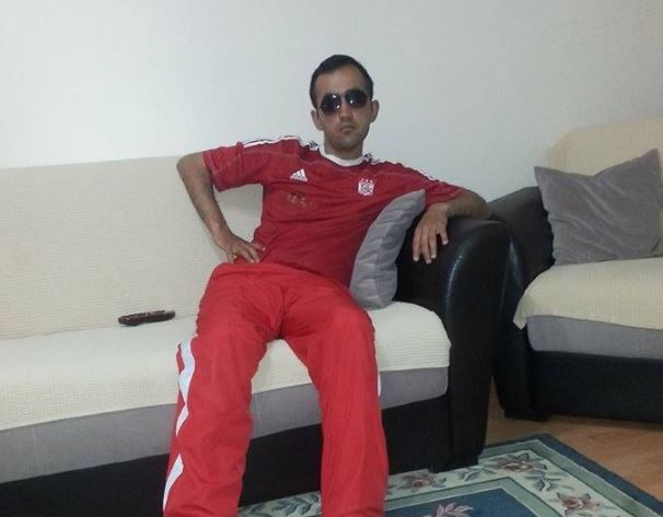 Un fan de 31 de ani a murit după ce a suferit un atac de cord la stadion după un meci de fotbal