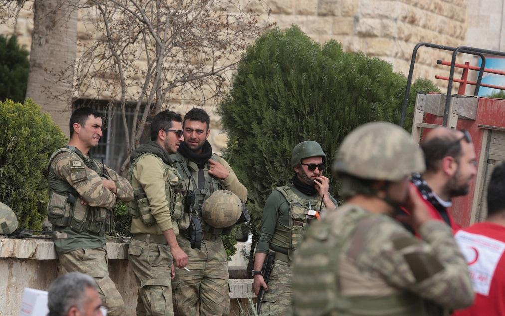 Turcia i-ar putea ataca pe kurzi. Apel la armata siriană pentru a-i proteja