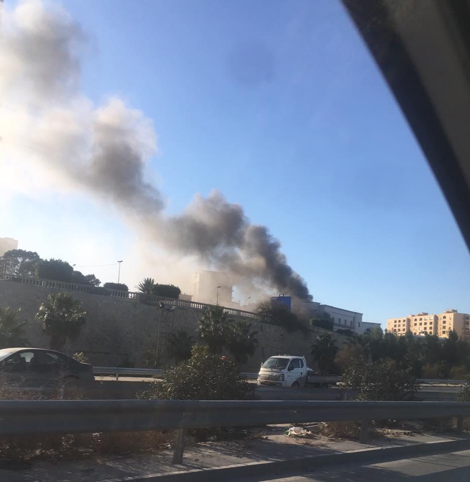 Atac sinucigaş asupra Ministerului de Externe din Tripoli. 3 oameni au murit