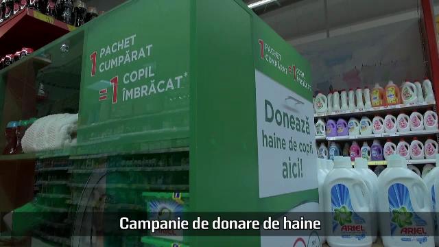 (P) Campanie de donare de haine în mai multe lanțuri de magazine