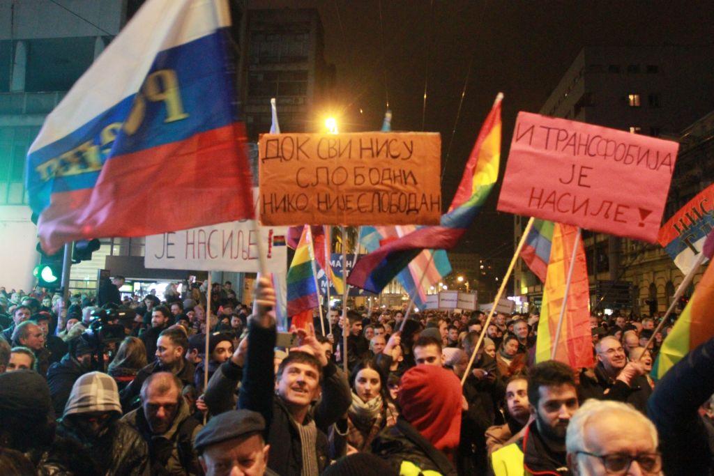 Protest cu 25.000 de oameni, la Belgrad. Oamenii, nemulțumiți de președintele Vucic. FOTO