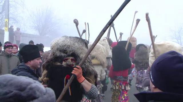 Bătaia tradițională de la Ruginoasa, oprită de jandarmi: