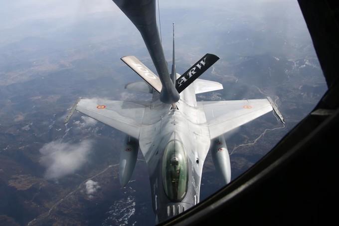 Două avioane F-16 Fighting Falcon au intrat în dotarea Forţelor Aeriene Române