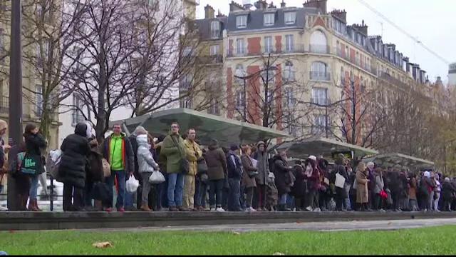 Transportul comun din Franța, grav afectat de greve. Atenționarea emisă de MAE