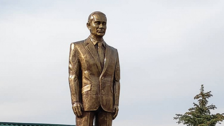 """Ce țară i-a ridicat lui Vladimir Putin o statuie aurită: """"Este un om cu O mare"""""""